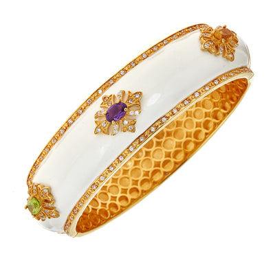 Regal Motif Bangle