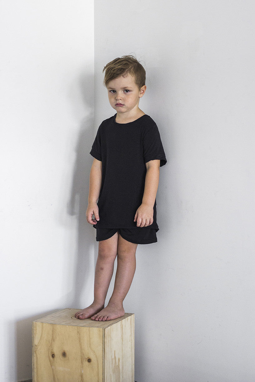 Tail Tee Black - Kids