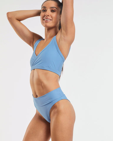 Studio Sports Crop - Glacier Blue