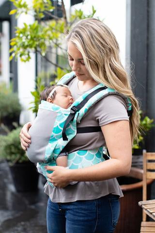 TULA FREE-TO-GROW CARRIER - COAST SYRENA SKY