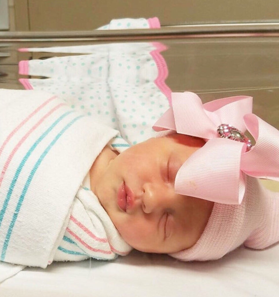 ... Newborn hospital hat with bow 026770ca5043