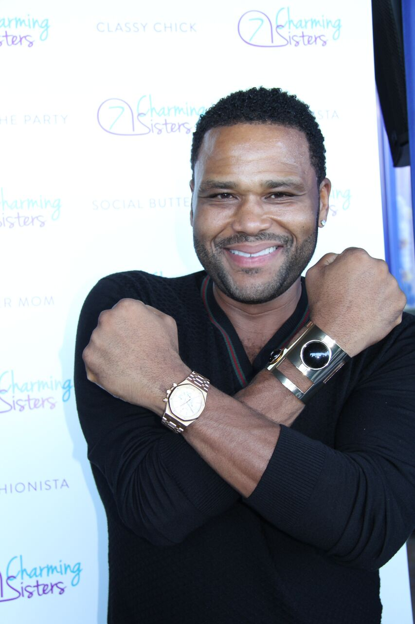 Anthony Anderson from Black-ish with 7 Charming Sisters jewelry company at 2016 Emmys