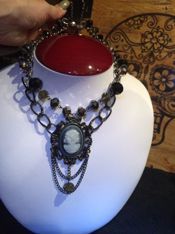 Elegant Cameo Statement Necklace Set