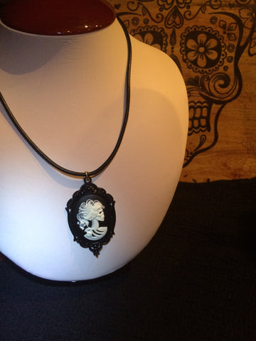 Cameo Lolita Leather Necklace