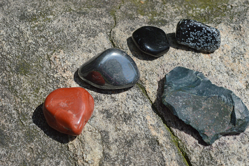 Balance your Root Chakra with Crystals