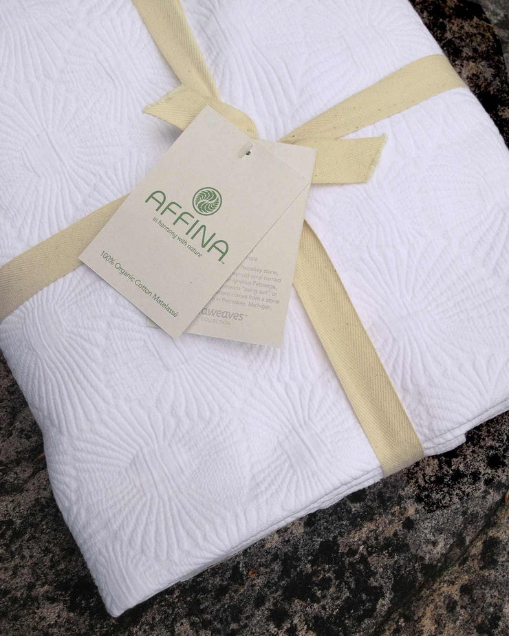 Affina Hexo Organic Cotton Matelassé Coverlet on Rock