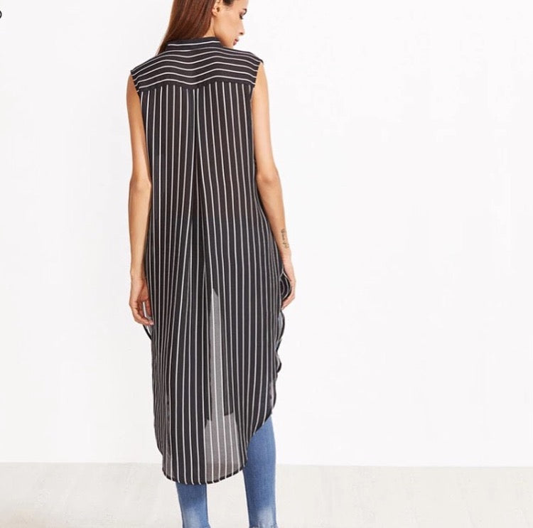 Keipy's longline blouse striped black and white