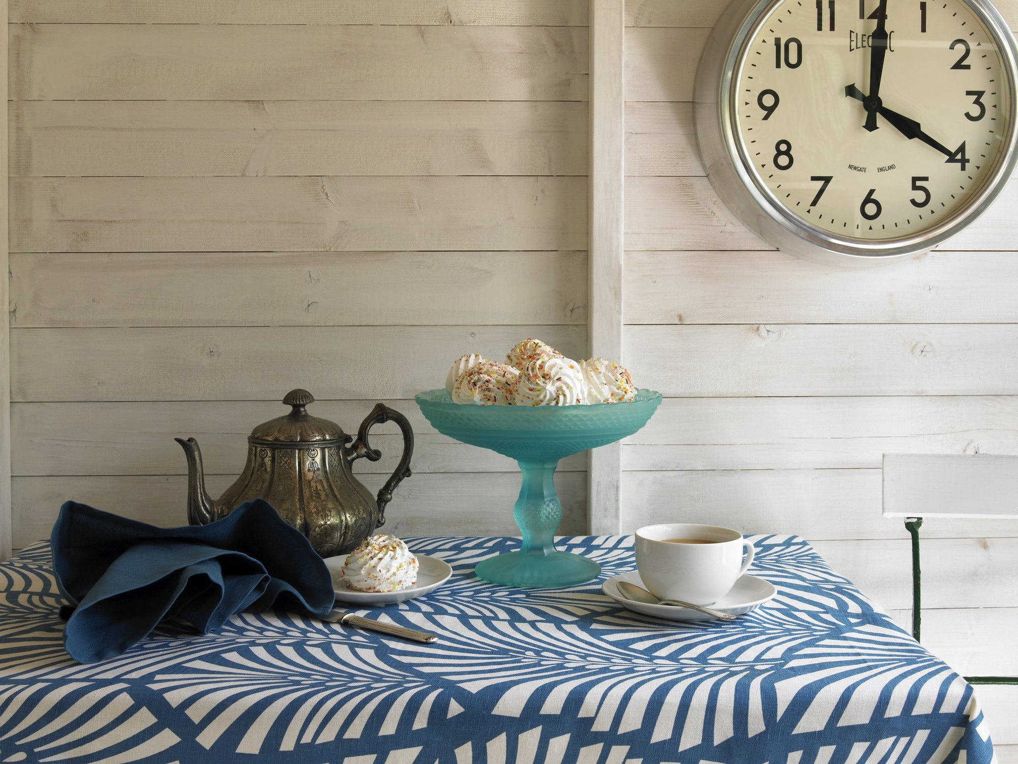 Cotton linen tablecloths, napkins and table runners in great shades of blue. Ships from Canada worldwide including the USA