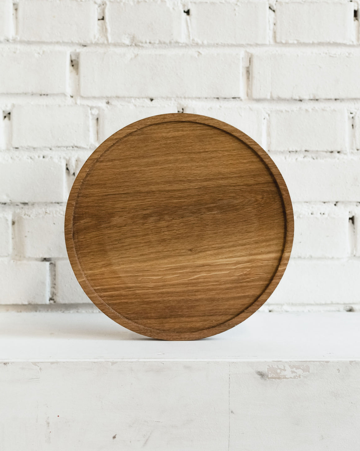 Fuga Large Round Oak Serving Board with Recessed Center 30cm diameter