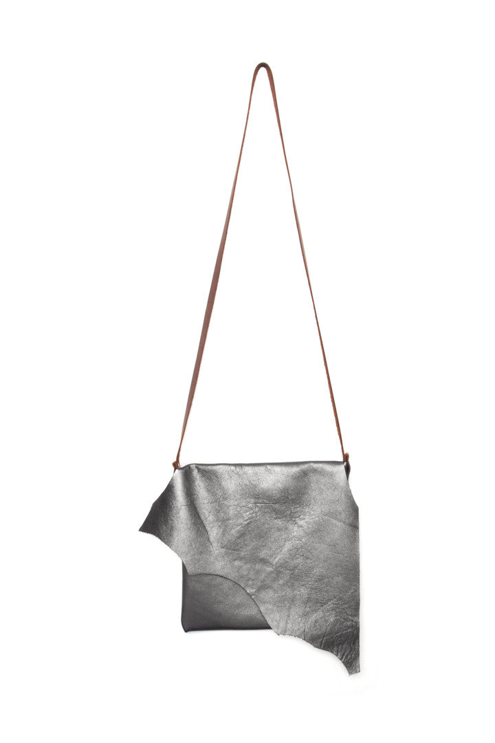 Clarita - Metallic Grey / A011