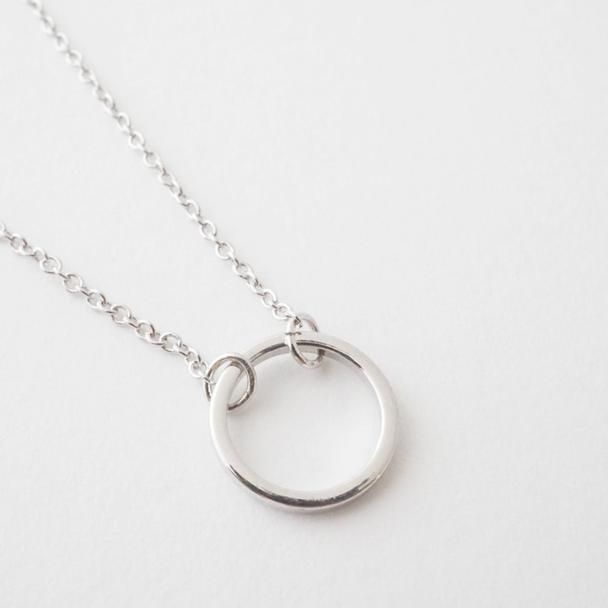 honey cat mini orbit necklace