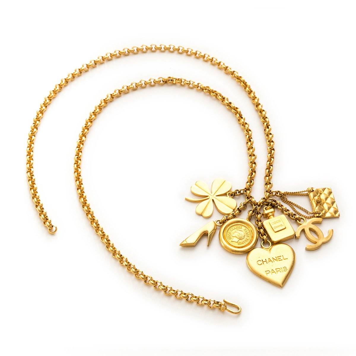76f367d618f37 Vintage Chanel Gold Plated Charm Chain Necklace