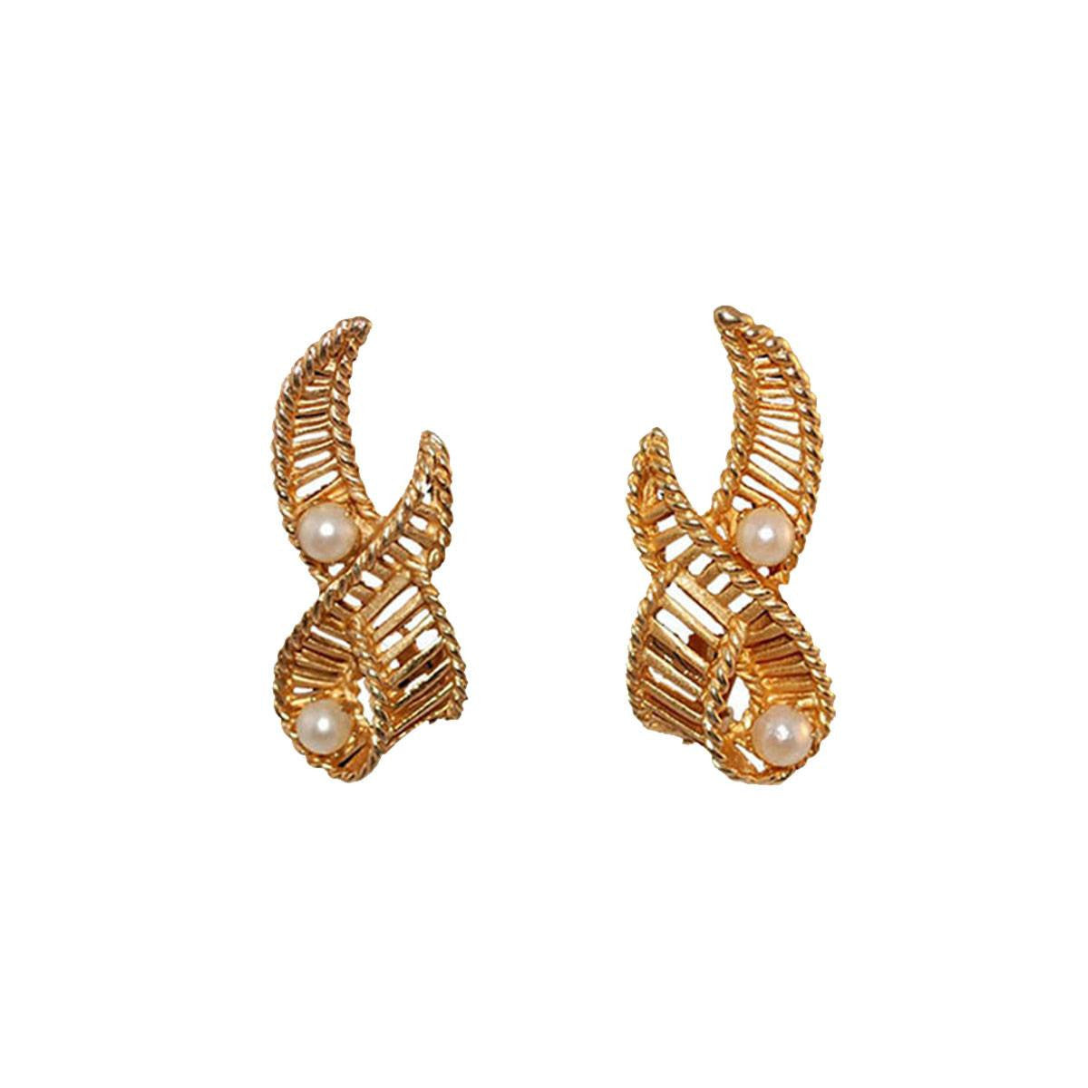 Kramer Pearl & Gold Ribbon earrings