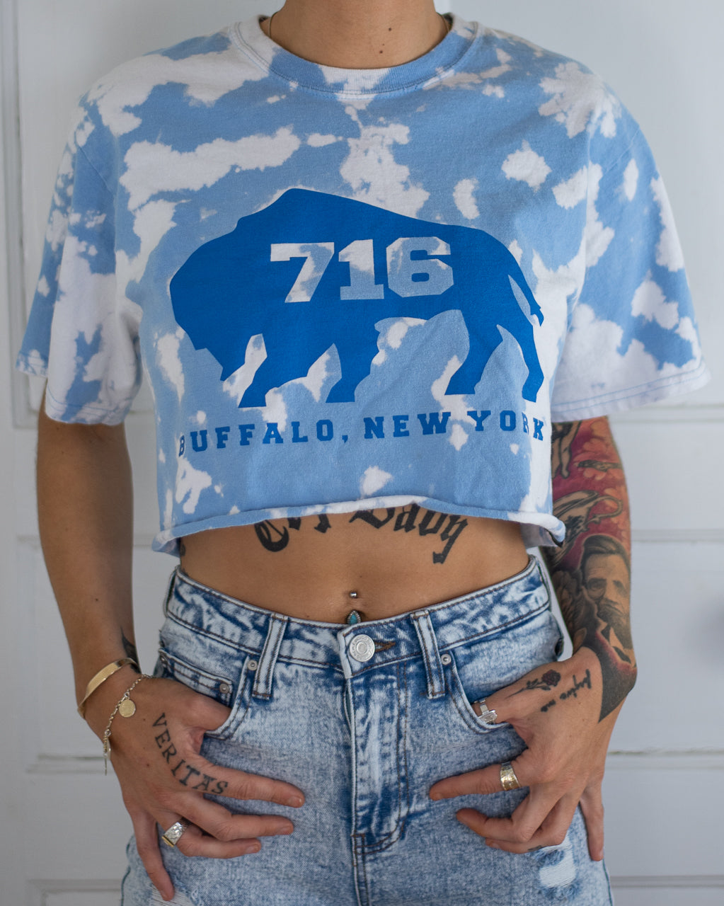 716 Buffalo blue bleach dye crop top