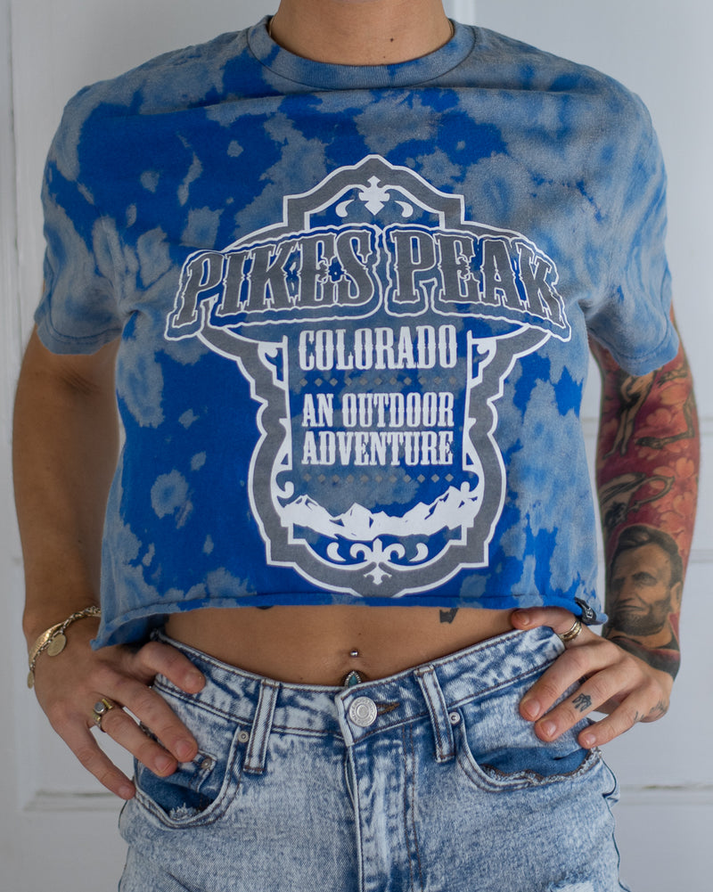 Pikes Peak blue bleach dye crop top