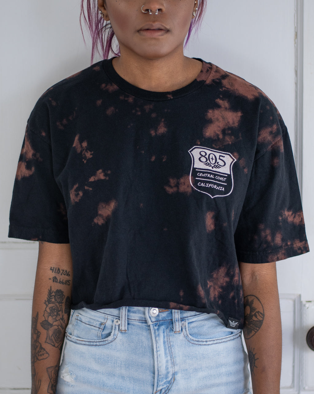 805 black bleach dye crop tee