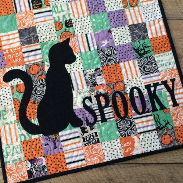 Spooky mini quilt for Halloween