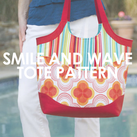 Smile and Wave Tote