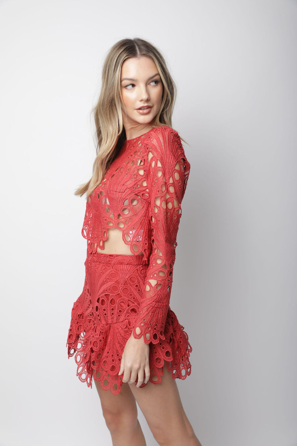 RED LACE MINI SKIRT