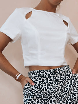 SHORT SLEEVE CUT OUT CROP TOP