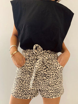 LEOPARD PRINT SHORT WITH BELT