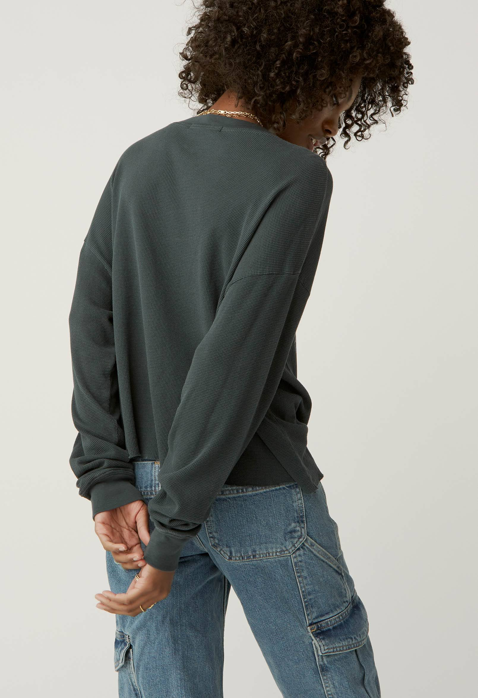 LEGENDARY LONG SLEEVE CROP TOP