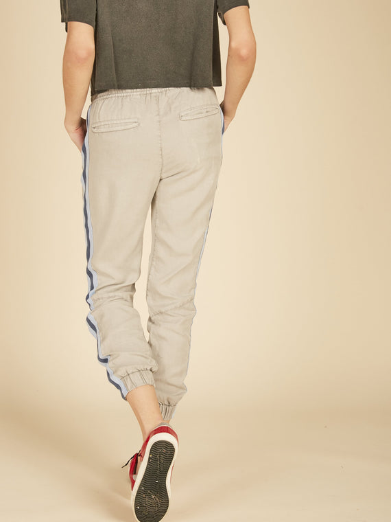 LIGHT GREY WASHED TENCEL PANTS
