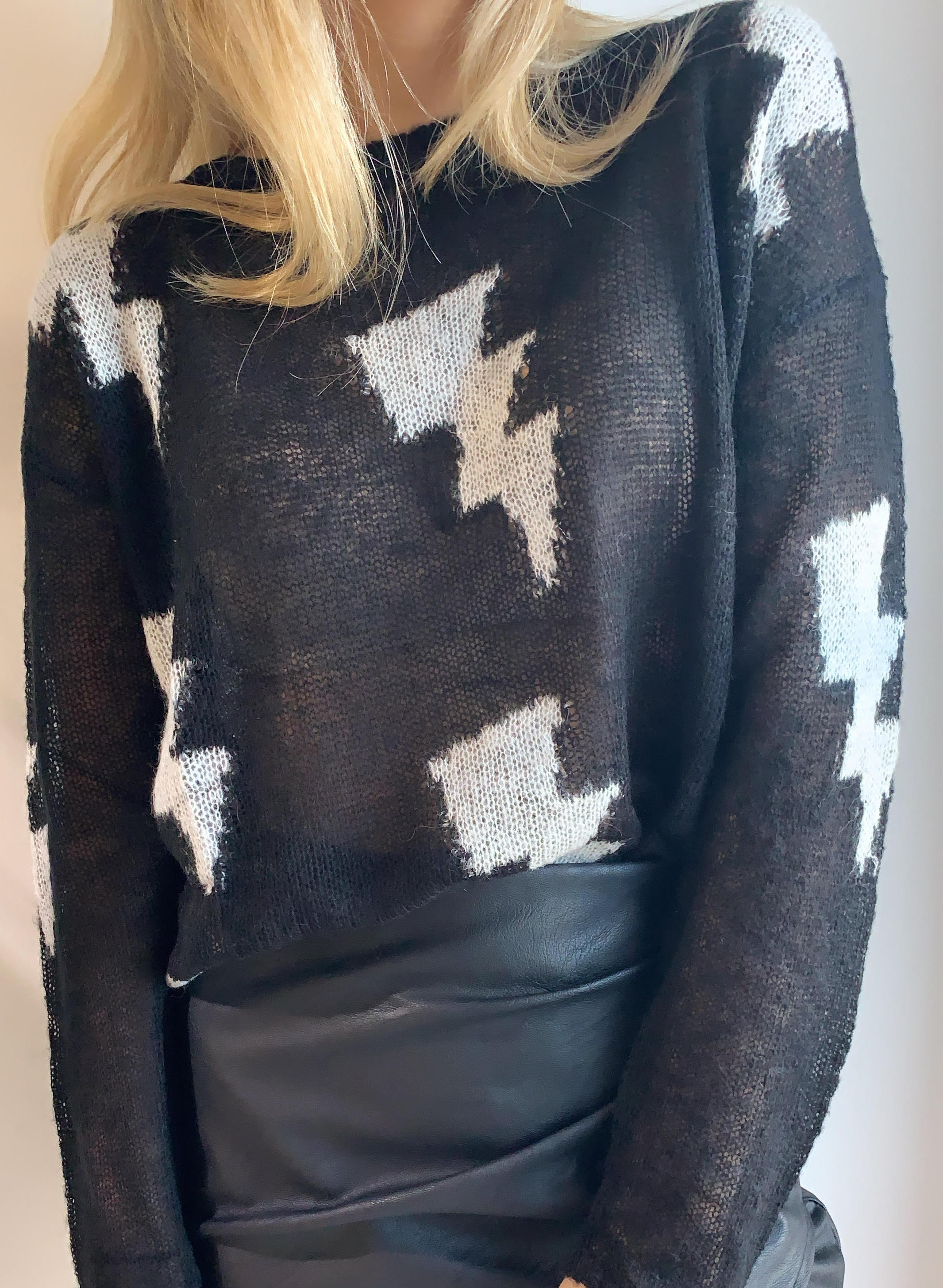 BLACK & WHITE LIGHTING BOLT SWEATER