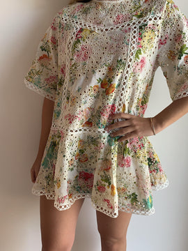 MULTICOLOR FLORAL EMBROIDERED TOP