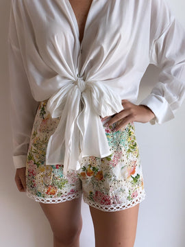 MULTICOLOR FLORAL EMBROIDERED SHORT