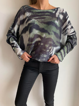 GREEN TIGER LIGHT SWEATER