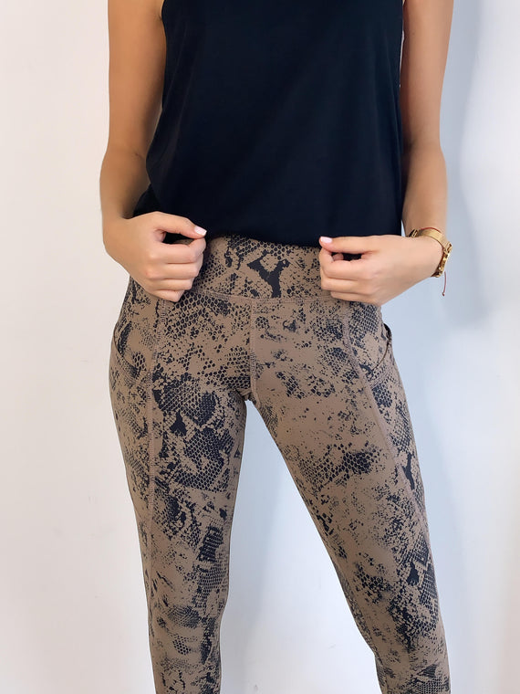 TAN COBRA POCKET LEGGINGS