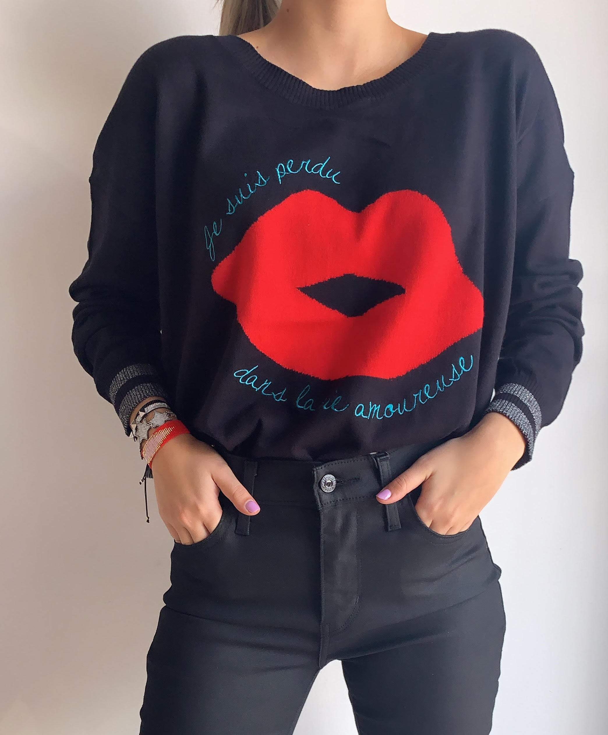 FRENCH LIPS CASHMERE CREW NECK PULLOVER