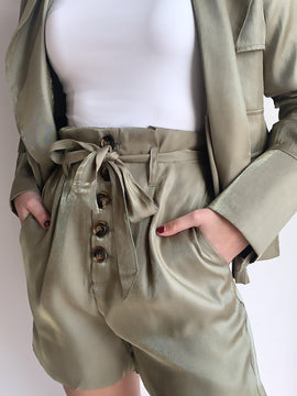 OLIVE HIGH WAIST BUTTON UP SHORTS