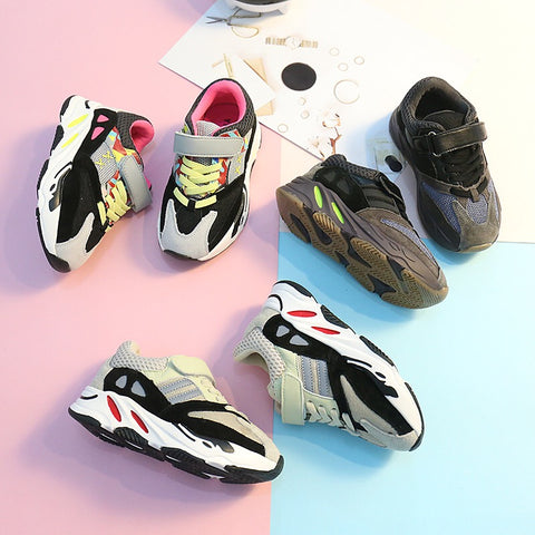 Fashion wave runner sneakers
