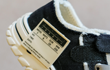 Canvas label sneakers