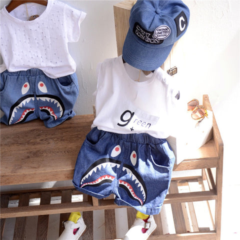 Basic summer shorts Shark print