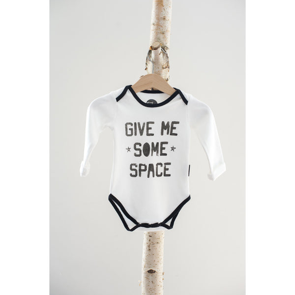 Body med tekst: Give me some space