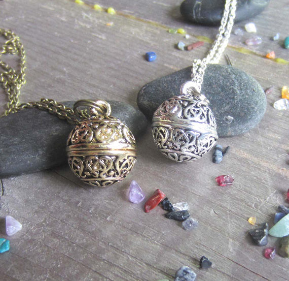 Protection Spell Amulet - Locket