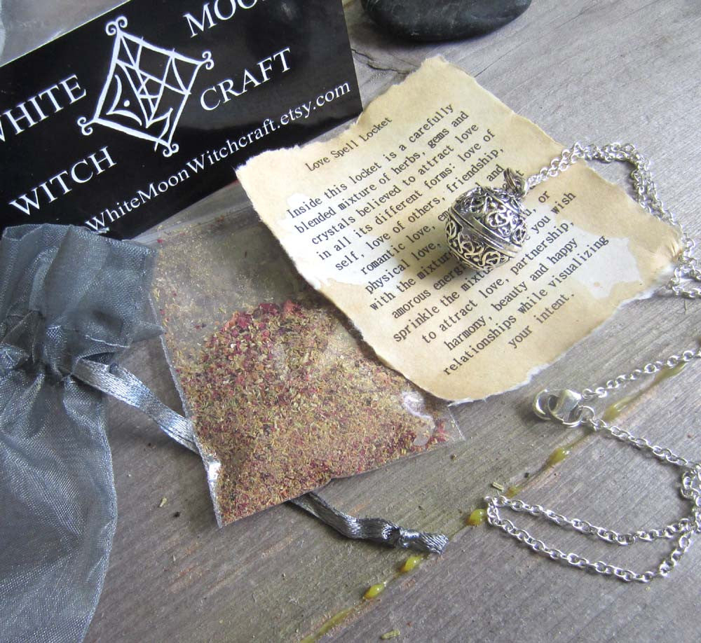 Love Spell Amulet - Locket