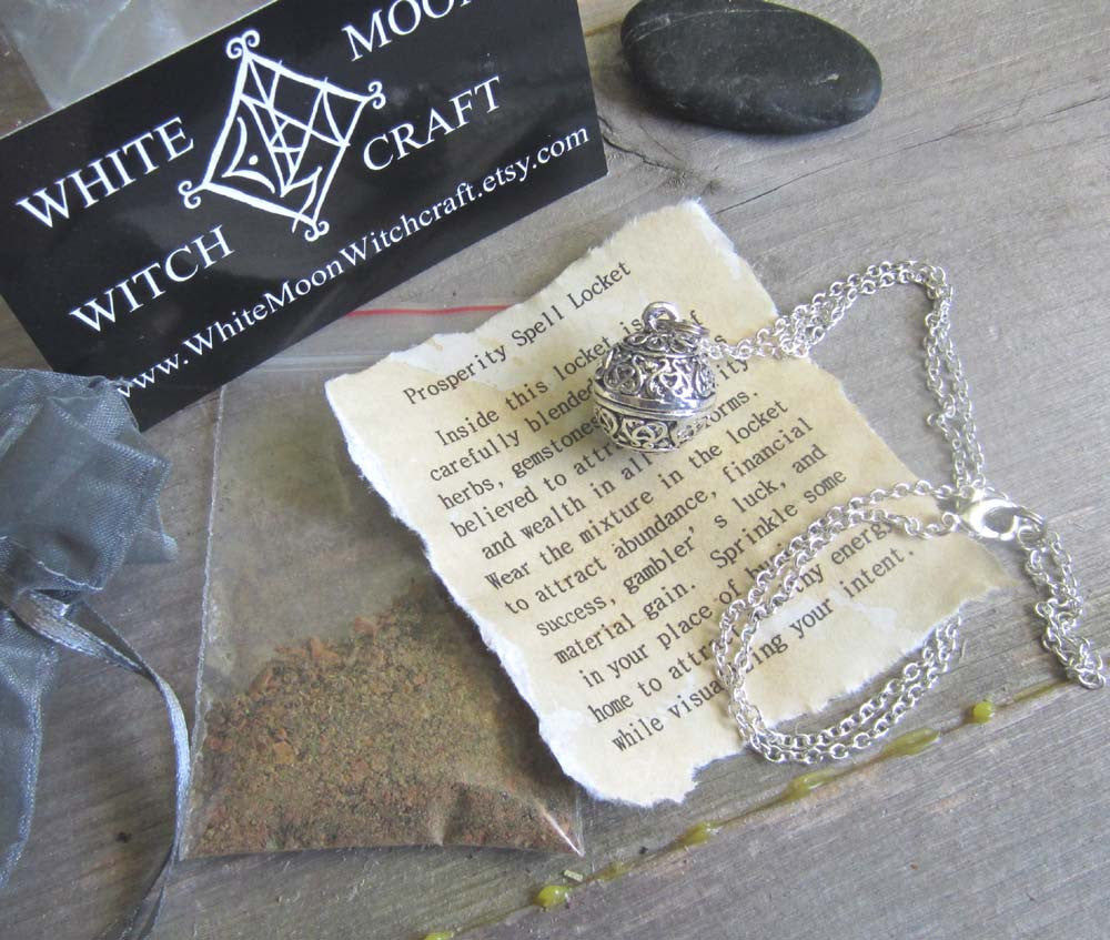 Money Spell Amulet - Locket