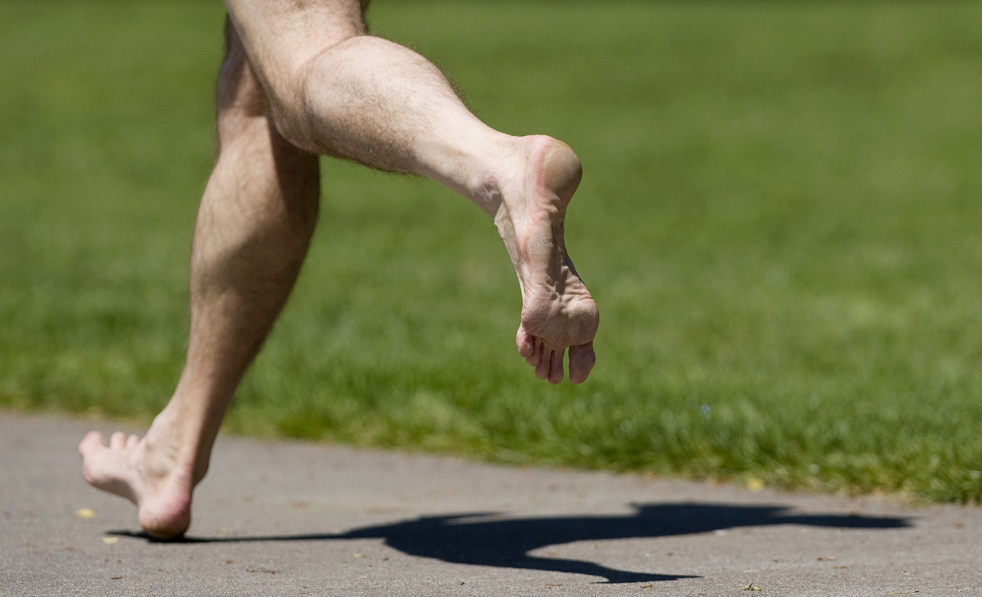 <a href= http://www.plantarfasciitisinfo.com/barefootminimalist-running/>TOP 3 THINGS TO KNOW ABOUT BAREFOOT/MINIMALIST RUNNING</a>