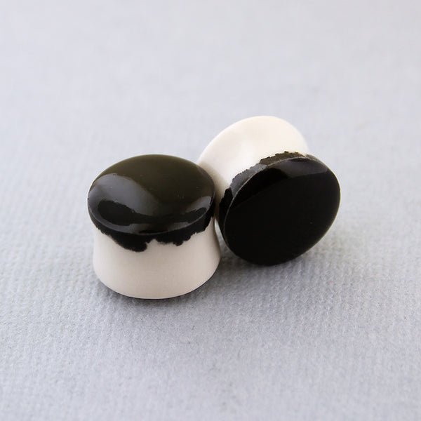 Black Porcelain Plugs