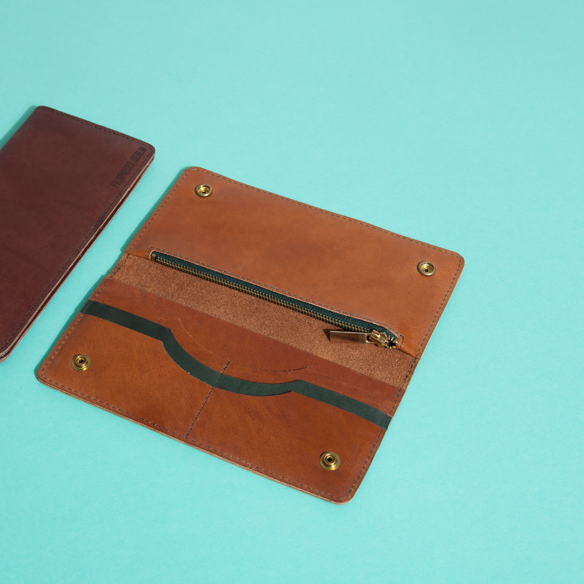 Nahid wallet brown leather craftsmanship