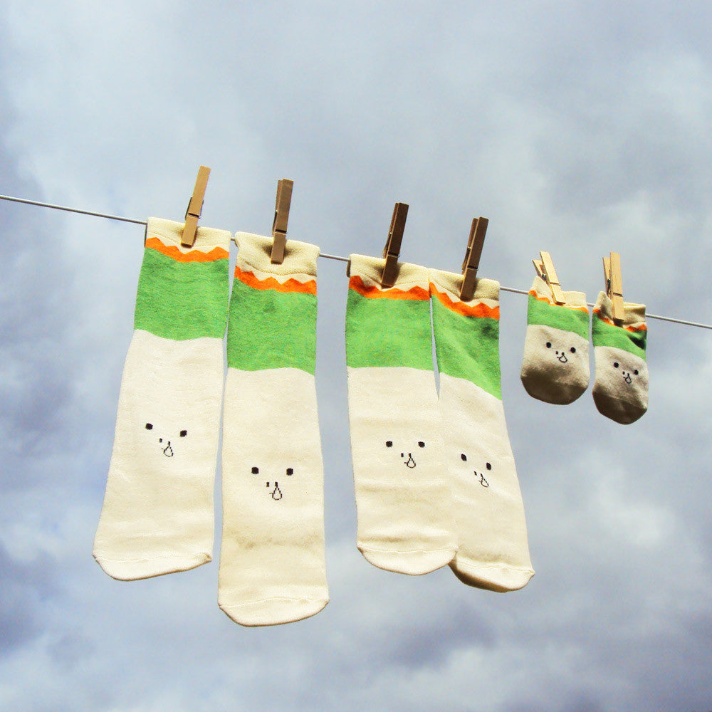Baby Gifts Quirky : Petites pattes family socks gift box quirky baby