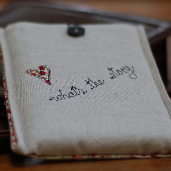 What's the Story Linen Kindle Case - Handmade Poshyarns