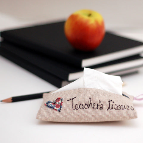 Teacher's Tissue Holder - Handmade Poshyarns