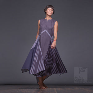 "Achromatic and geometrical design dress ""Wingbeat"" Grey lines pattern"
