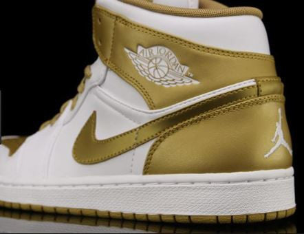 Air Jordan 1 Phat 'Gold Medal'