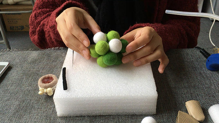 How to make needle felted Christmas potted tree with felted balls